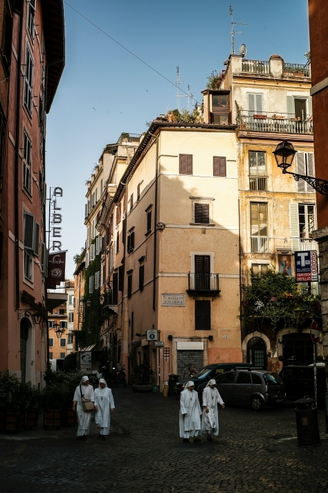 Walking through the streets of Rome with my M9